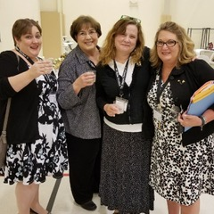 Kate Stahl, Karen, Shannon & Lisa enjoying snacks and drinks during the morning break at the Province V PCOT.